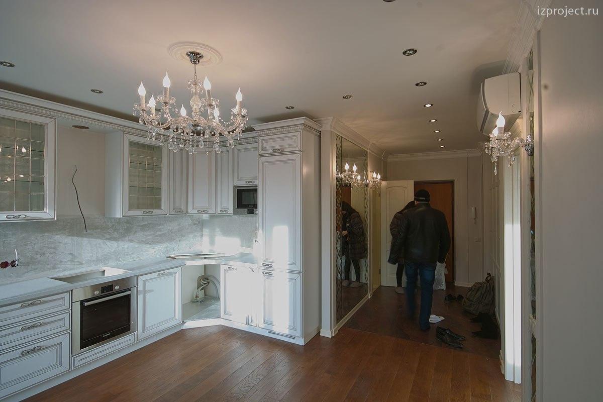 Дизайн однокомнатной квартиры, фото кухни и прихожей.