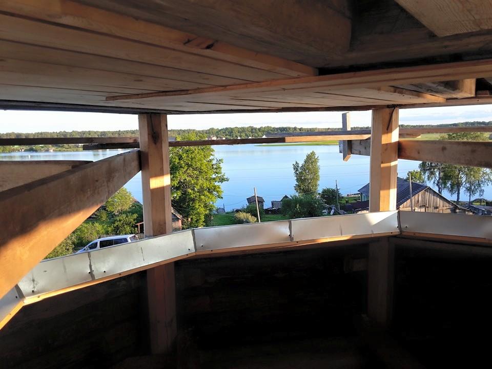 Вид с колокольни на реку Свирь.