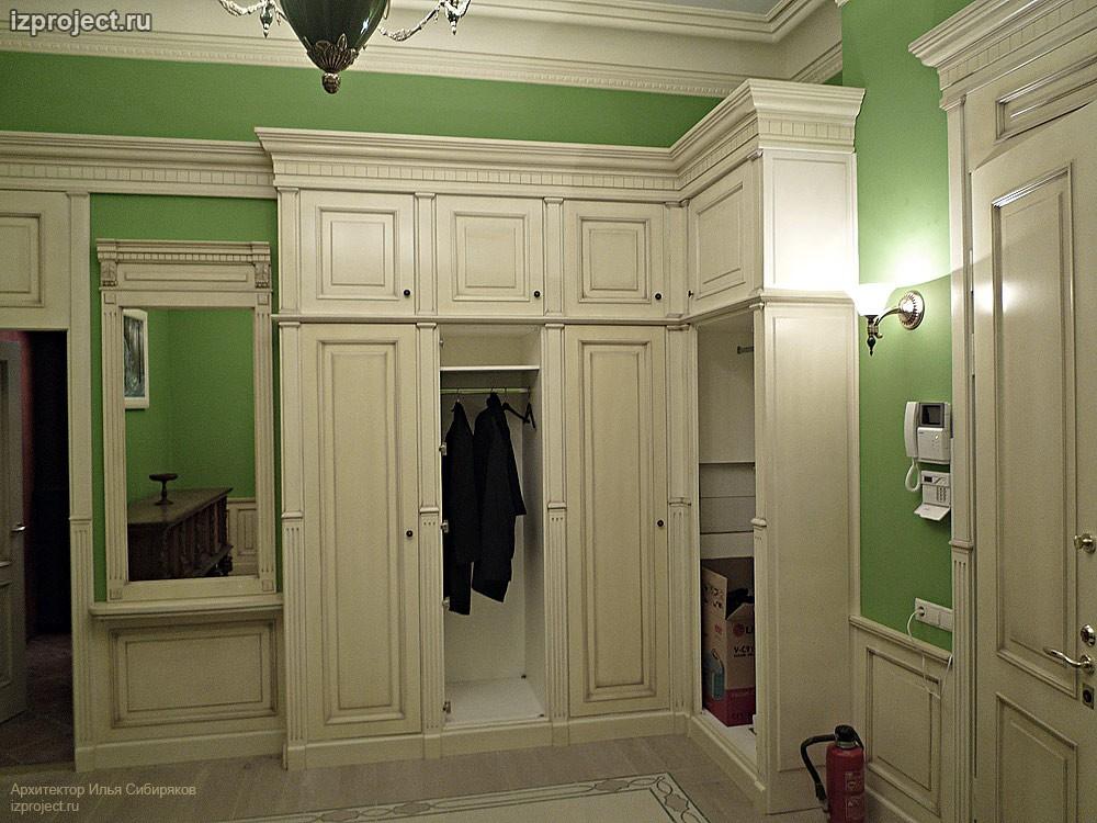 Интерьер гостиной в классическом стиле.